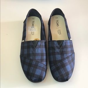 Toms Classic canvas blue and black slip on SZ 12